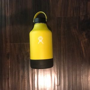 Other - 64 oz myhydro flask